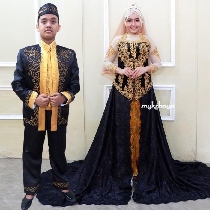 Jual Kebaya Pengantin Ekor Bludru Ekor Jagurad Hitam Kebaya Ekor Kota Surakarta Solokebaya Net Tokopedia