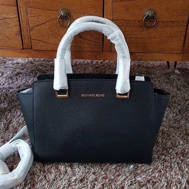 82e9a7e4af8b4b Jual Tas Michael Kors original - MK Selma Medium satchel Black ec ...