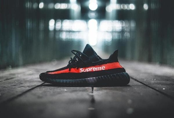 0e3a6ea54 Jual Sepatu Adidas Yeezy Boost 350 V2 Black Red Supreme Premium ...