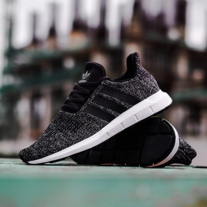 2d0052aaf67c5 Jual Sepatu Adidas ORIGINAL Swift Run Oreo Black - Suteki Step ...