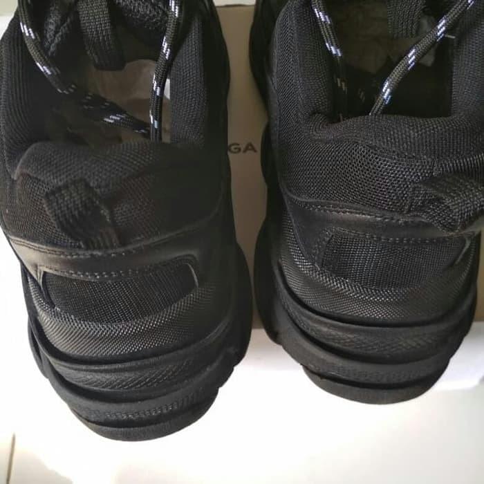 Balenciaga triple s shoes weight Alle Nachrichten
