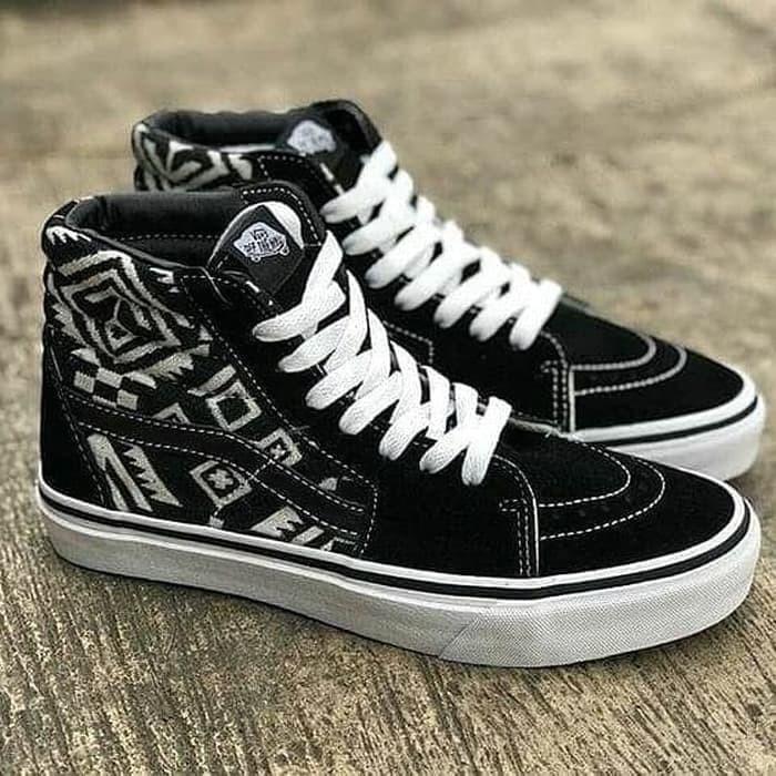 Sepatu Vans Motif Keren Sneakers - Daftar Harga Terlengkap Indonesia 9fb610a9c9