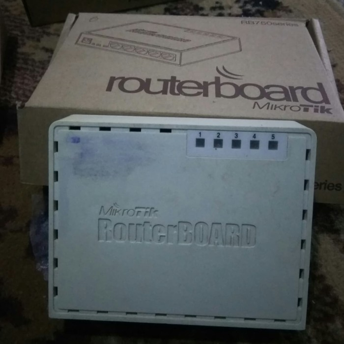 ROUTER BOARD MikroTik RB 750 series -