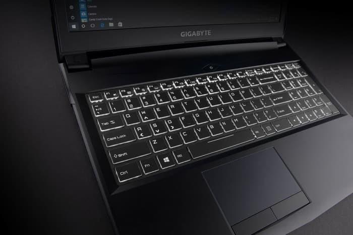 Foto Produk GIGABYTE Laptop Sabre P45W i7-8750H 16GB 1TB+256GB GTX1060 6GB DOS dari BSB ID