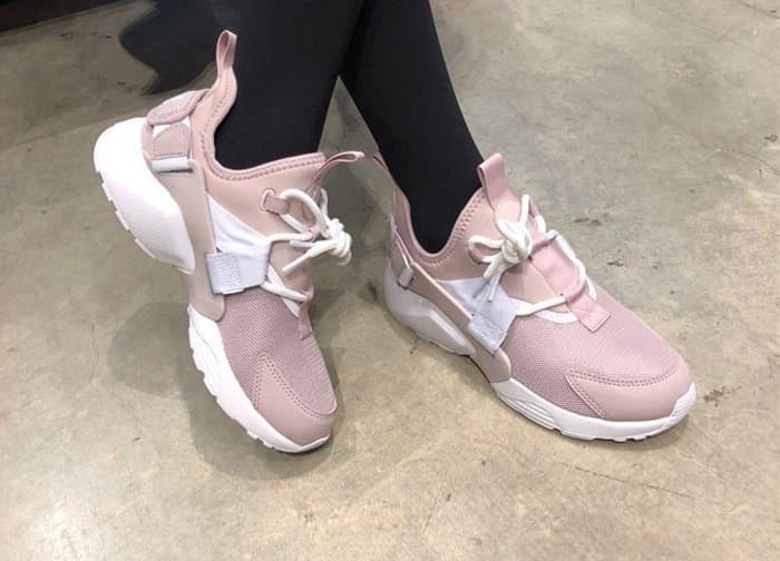 d1f8301bfd76 Jual Sepatu Nike Air Huarache City Low Pink White Premium Original ...