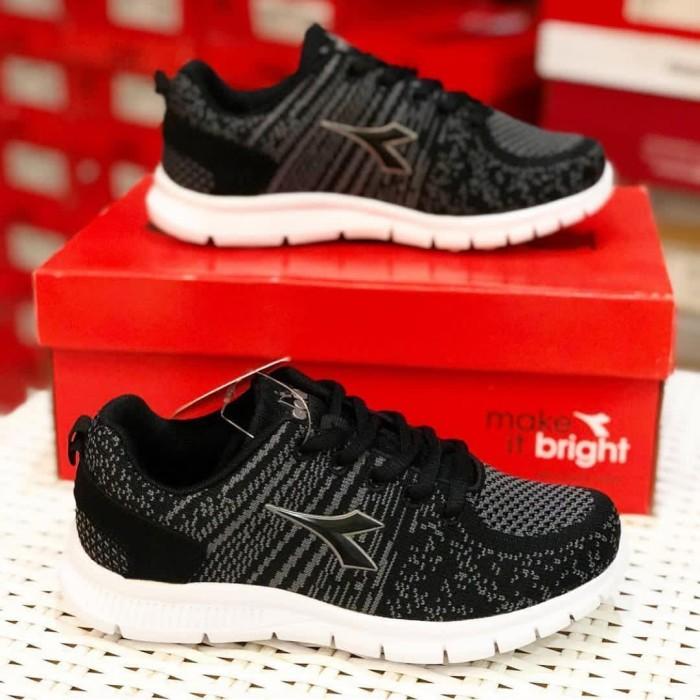 Jual Sale!! Sepatu Sekolah Anak Laki Original BNIB Diadora Gemma Jr ... 0b03d84500