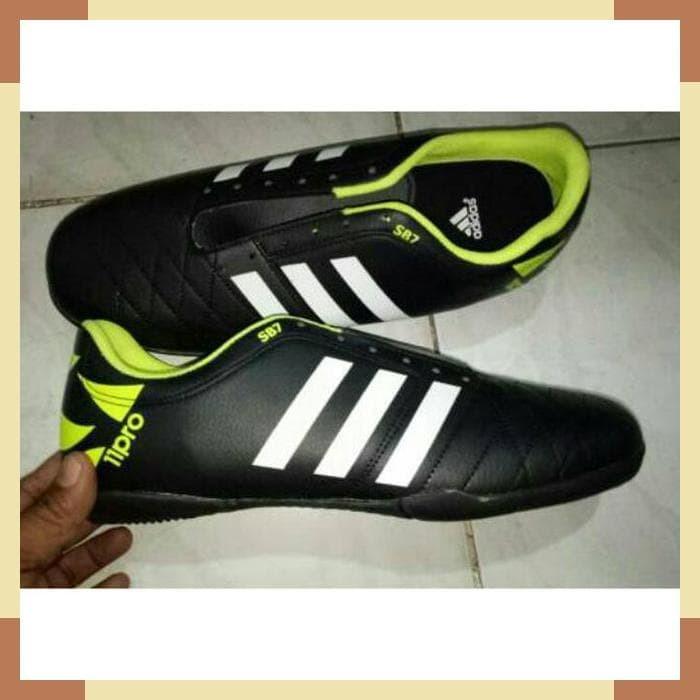 Sepatu Futsal Adidas 11pro Big Size 44 45 46 - Daftar Harga ... 8fab278c7d