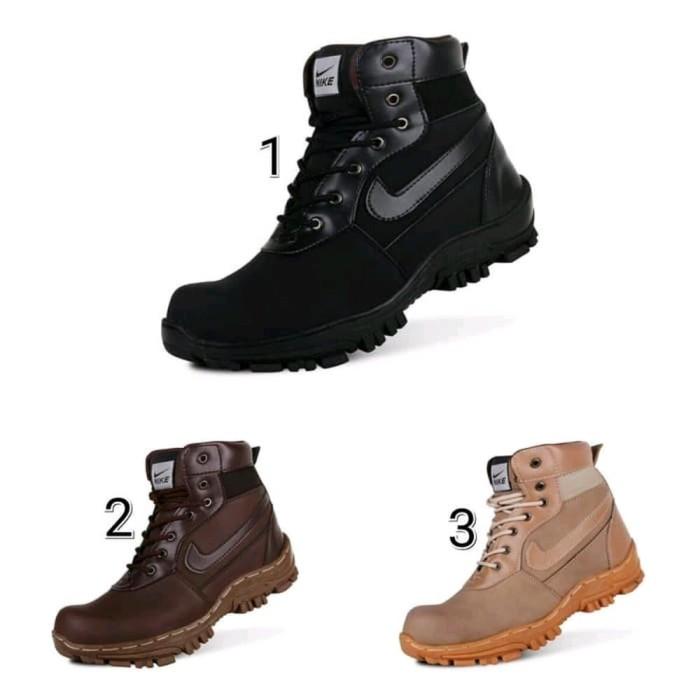 Jual Sepatu Boots Pria Nike Travis Safety Murah Terlaris - kelolayg ... 4924dbe94e