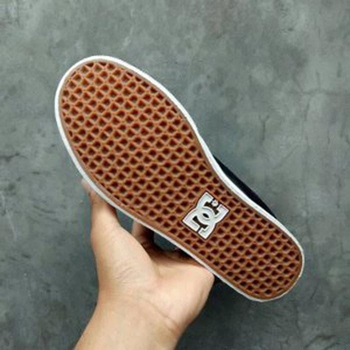 Jual Sepatu DC NYJAH Vulc Black Blue BNIB Original - ozilstore885 ... 6723e0976c