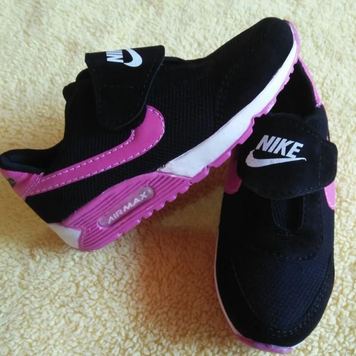 harga Sepatu sneakers anak cewek perempuan sekolah tk sd hitam pink perekat Tokopedia.com