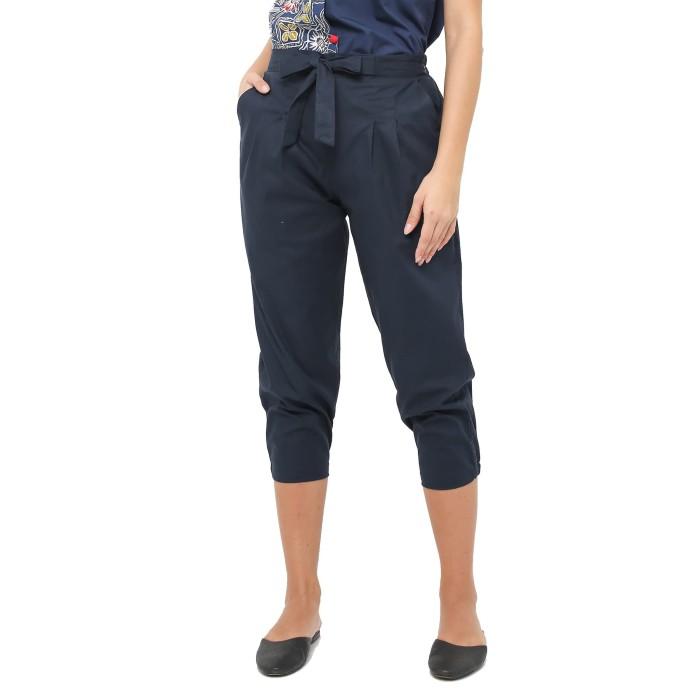 Foto Produk Periwinkle Ribbon Jasmine Midi Cullote Pants 30160 Navy Blue - Hitam dari Periwinkle Etude