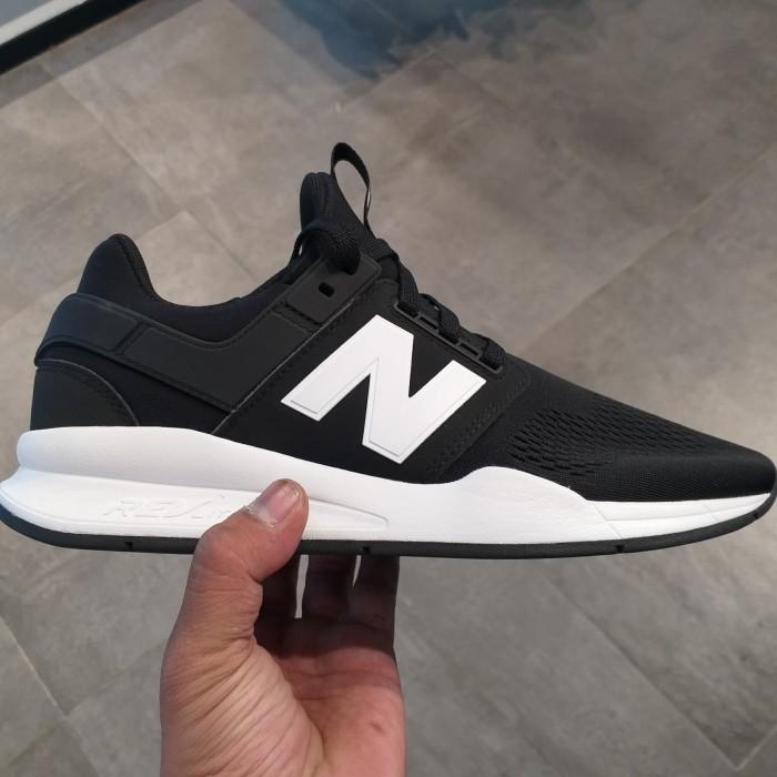 3b36cf00831 Jual New Balance 247 Classic Black Original - Kota Administrasi Jakarta  Barat - 48 Sneakers | Tokopedia