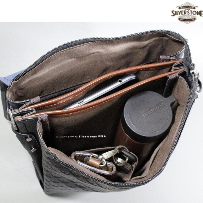 Jual Premium Tas Selempang Kulit Pria Ga-8209 Giorgio Armani Cokelat ... 37debc897e