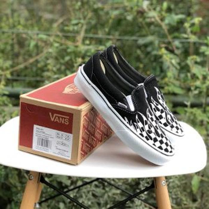 c01b8d24b6 Jual Sepatu Vans Slip On Checkerboard FLAME Black and White BNIB ...