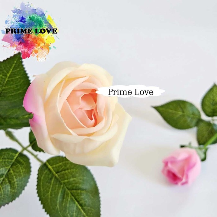 Bunga Palsu Artificial Bunga Mawar Plastik Setangkai Red Rose - AF05 - Merah c0ef579a26