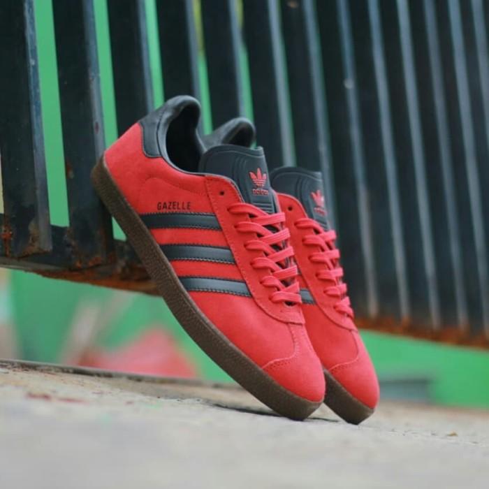 Jual Sepatu Adidas Original Gazelle II Red Sol Gum - AFRIDAY SHOP ... c72c703dff