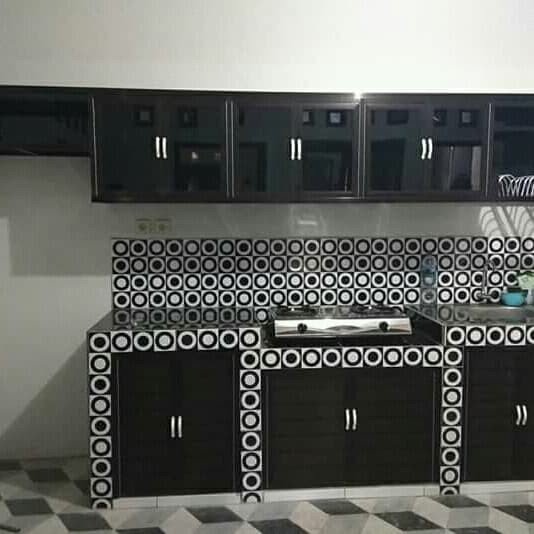 Jual Minimalis Lemari Dapur Kitchen Set Aluminium Minimalis Merah Kota Semarang Perlengkapan Dapur Tokopedia