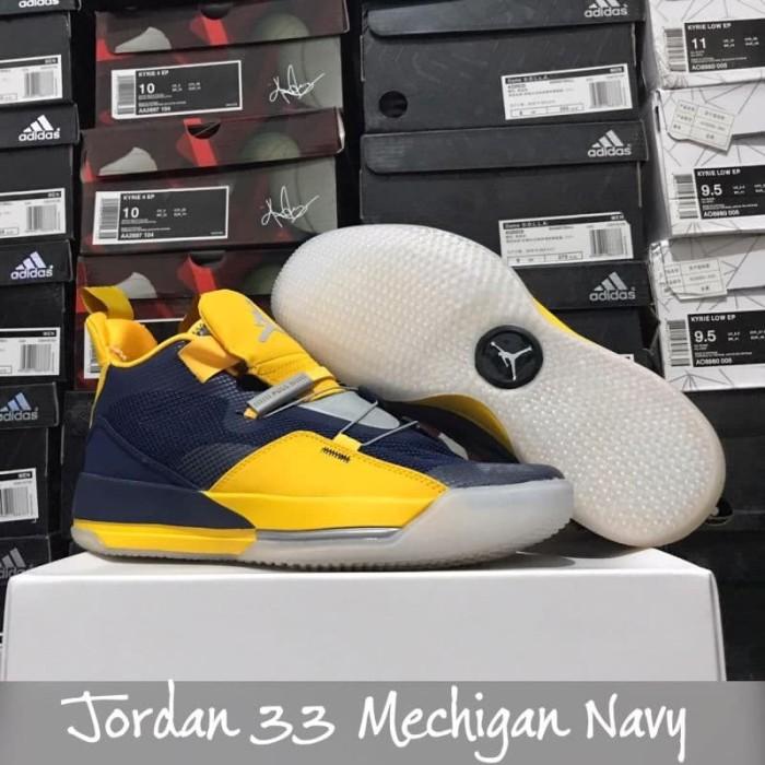 pretty nice 54067 bfa10 sepatu basket air jordan 33 michigan navy yellow