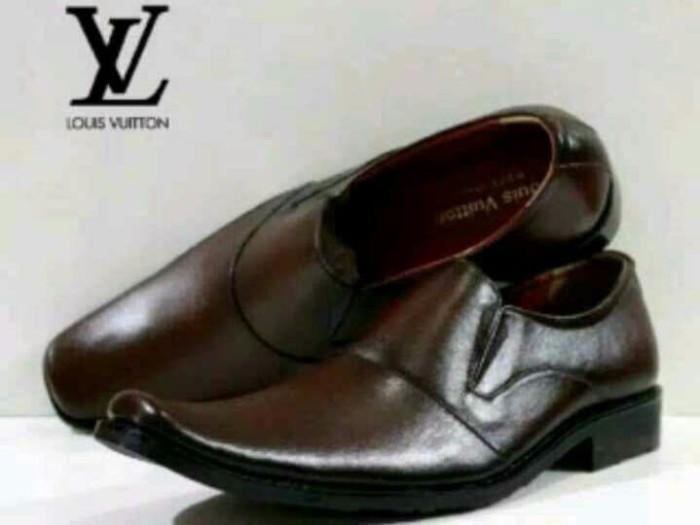 Jual Sepatu Kerja Kantor Pantofel Pria LV Coklat Tua - Cokelat 120716774a