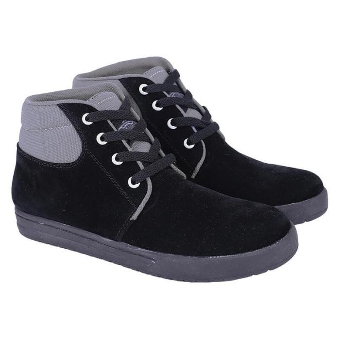 harga Sepatu sekolah anak sd laki perempuan sneakers kets hitam tali semi Tokopedia.com
