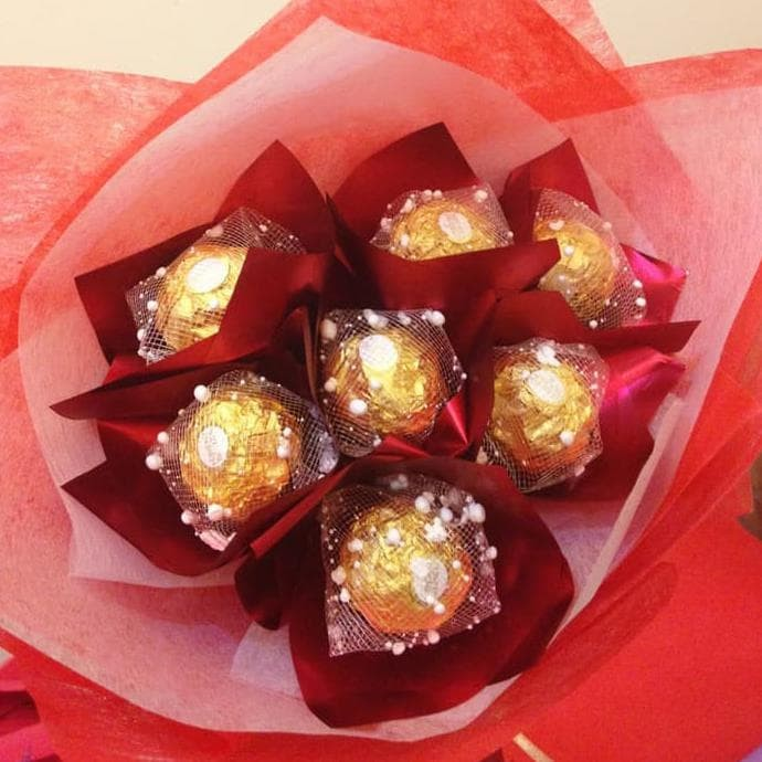 Jual Dijual Buket Coklat Bunga Valentine Kado Anniversary Bunga Wisuda Jakarta Selatan Farichatur Shop Tokopedia