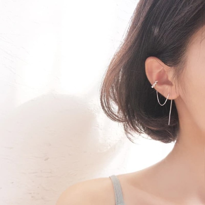 Foto Produk DearMe - CLAIRE Earrings (925 Sterling Silver with gold plating) dari Dear Me Jewelry