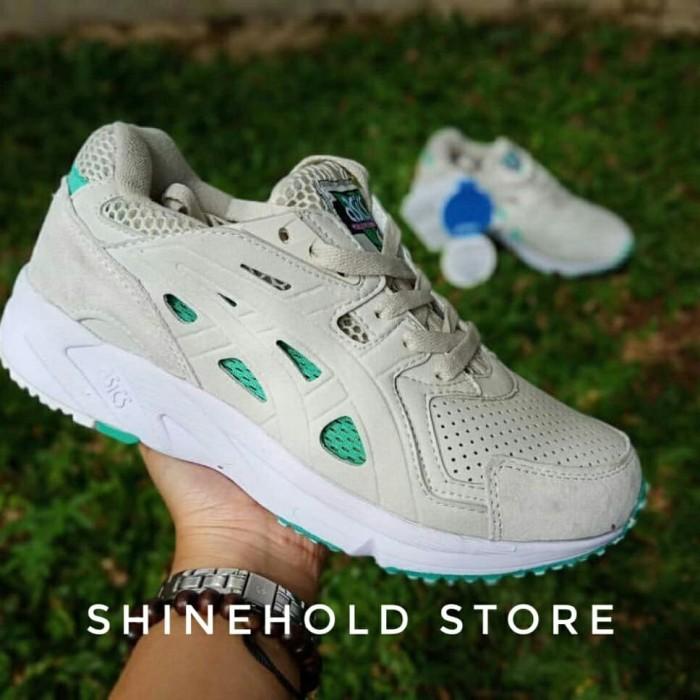 Jual Sepatu asics gel ds trainer pria   wanita   sneakers   sepatu ... 60880e0e3f