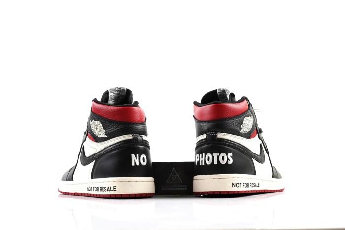 b14000f5bf0 Nike Air Jordan 1 Hi