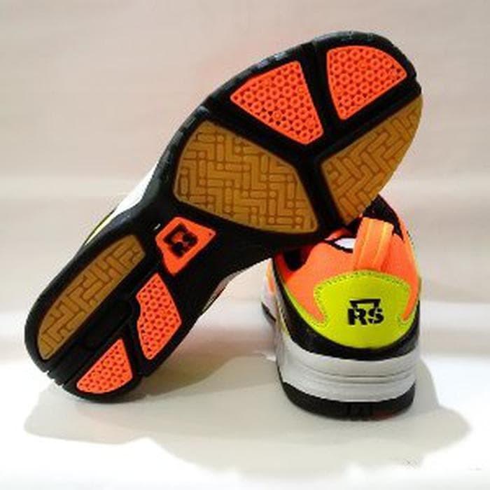 Sepatu Badminton Bulu Tangkis Rs Sirkuit 570 - Daftar Harga Terkini ... 5f5f5b646f