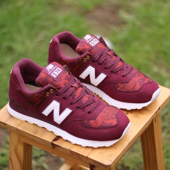 Jual NEW BALANCE 574 BURGUNDY - story shoes  0d425400ee