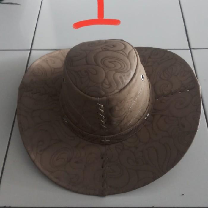 Jual topi laken atau koboi dibuat dengan kulit sapi asli terbaik ... b77cff13e3