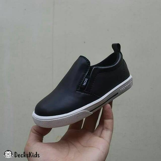 Jual Sepatu Anak Decks Kids model Medley Synth Hitam - warung anak ... 94a945a226