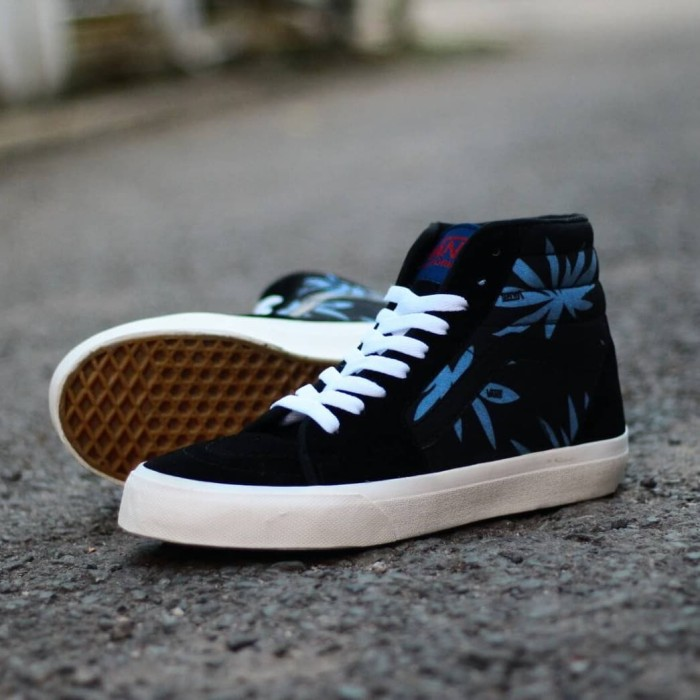 Sepatu Sneakers Skate Pria Vans Rastamania Sepatu Casual Sneakers ... 89e2299a64