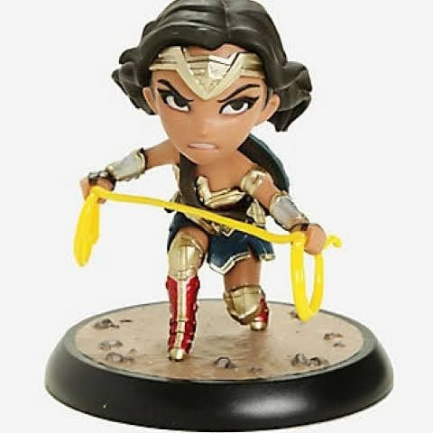 New Justice League Wonder Woman with Lasso Q-Fig Max Figure