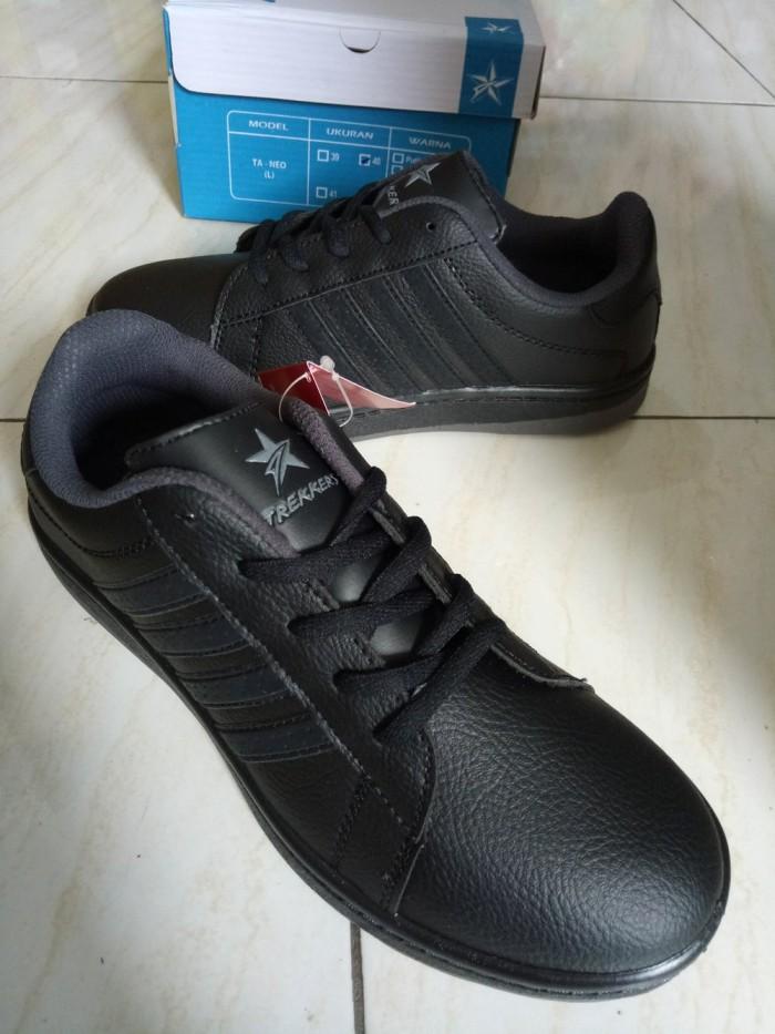 Jual Sepatu Sekolah Hitam Polos Bertali Sd Smp Trekers Neo 39 40
