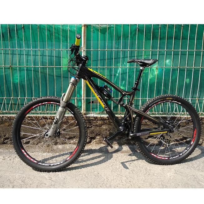 Jual Sepeda Santa Cruz Nomad bukan yeti specialized rocky