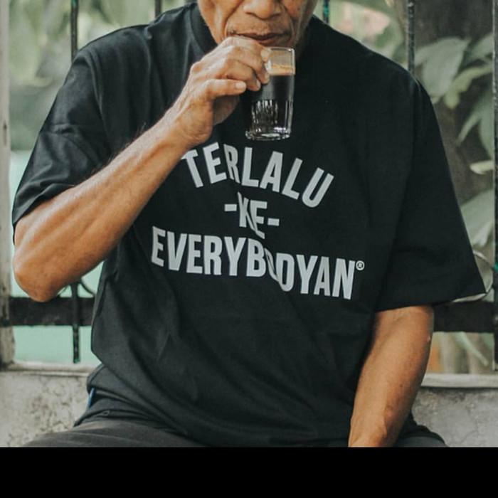 Jual T Shirt Kaos Terlalu Ke Everybody An Urbain Inc Terbaru Jakarta Timur Rnr Tokopedia