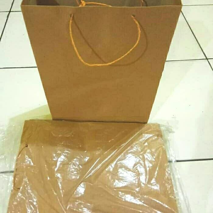 Foto Produk paperbag/paper bag/ kantong belanja polos uk. 20x24x8 cm dari Gemilang 888