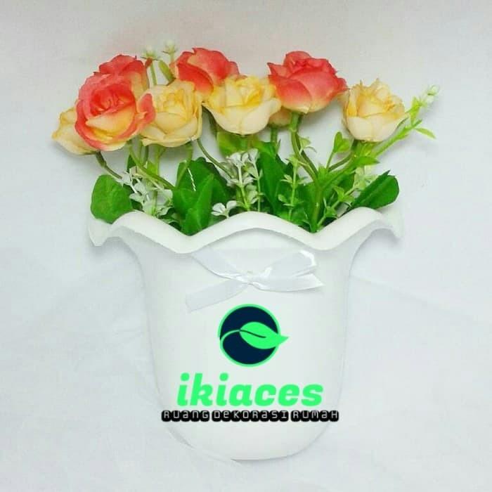 Foto Produk Bunga Plastik dan Pot Dinding/Artificial/Shabby Chic/Vas Bunga Dekor dari ikiaces