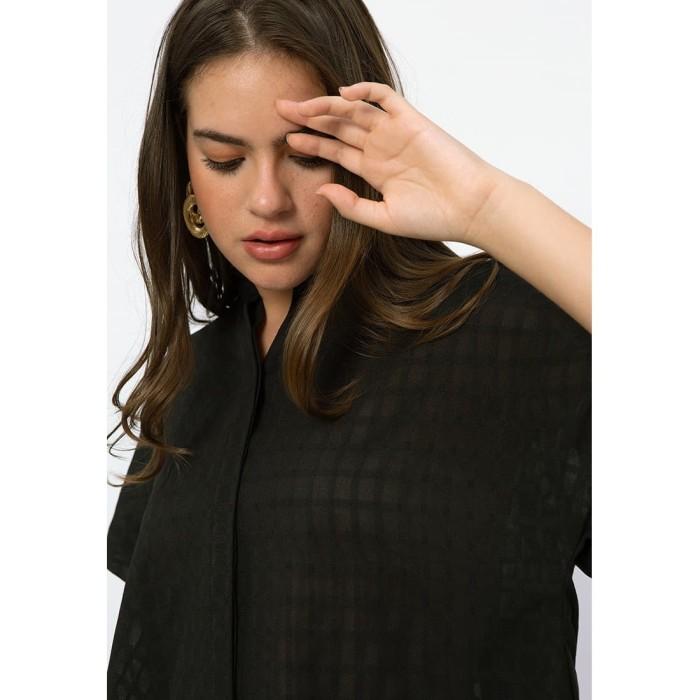 Foto Produk Minimal Black T Shape Shirt Jet Black - M dari minimal