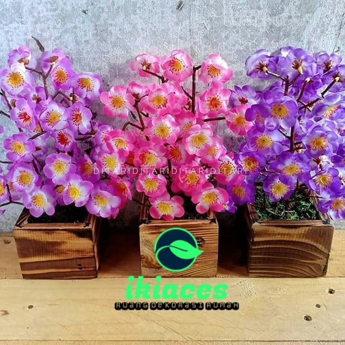 Foto Produk Bunga Sakura Pot Kayu Bunga Plastik Rumput Palsu Dekorasi Imlek Varian - Biru dari ikiaces