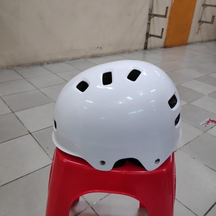 harga Helm sepeda bmx sepatu roda bulat model batok merk genio Tokopedia.com