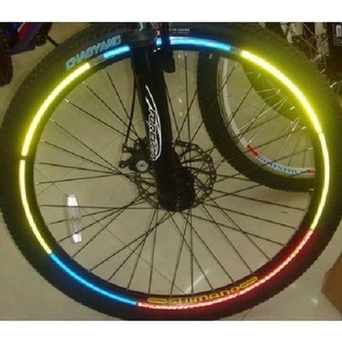 Foto Produk Bicycle Wheel Reflective Sticker / Stiker Roda Sepeda - 8 Strip-Yellow dari TokoSetia