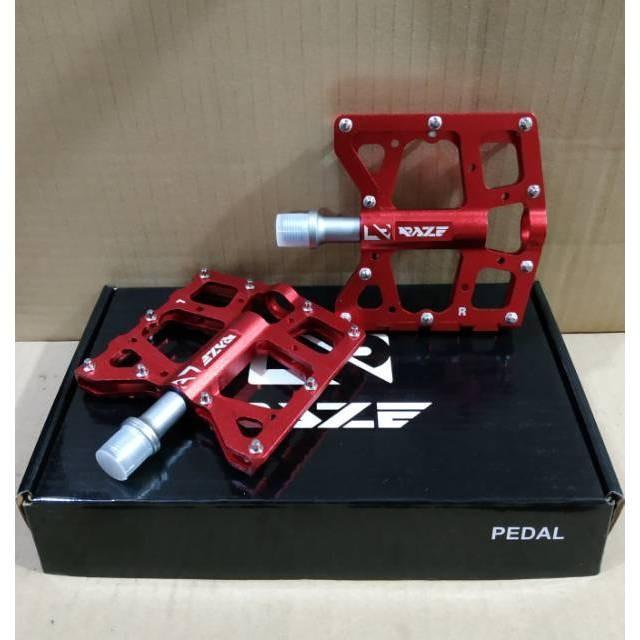 Foto Produk pedal raze bearing merah dari novia197
