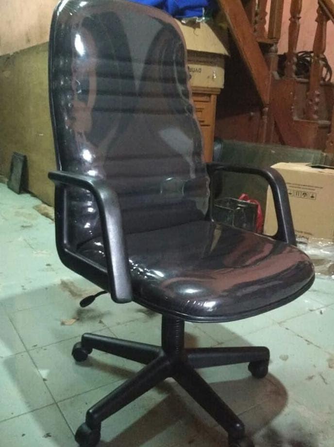 Foto Produk Kursi kantor direktur / kursi direksi dari kevinolshop_54