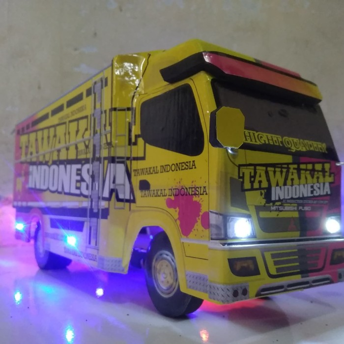 Jual Miniatur Truk Tawakal Indonesia Fariasi Lampu Kab Banyumas Ziabuspwt Tokopedia