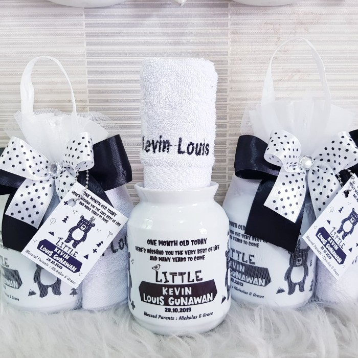 Foto Produk Hampers Baby/Baby One Month/Souvenir Handuk Bordir/souvenir aqiqah dari DD Hamper's