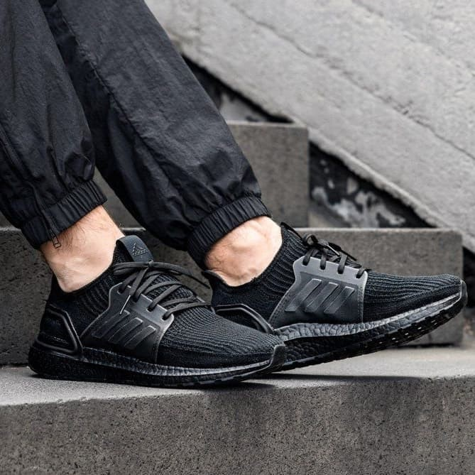 ultra boost 19 triple black on feet