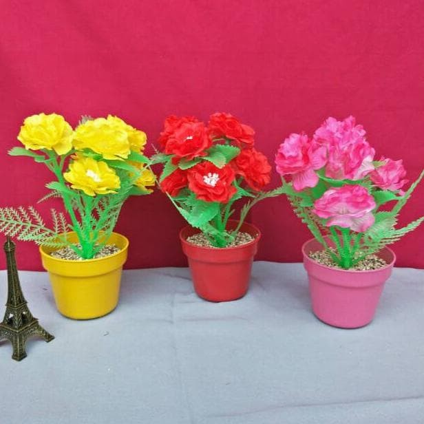 Jual Set Bunga Mawar Plastik Warna Warni Dengan Pot Plastik Warna Warni Jakarta Barat Maryaminahshop Tokopedia