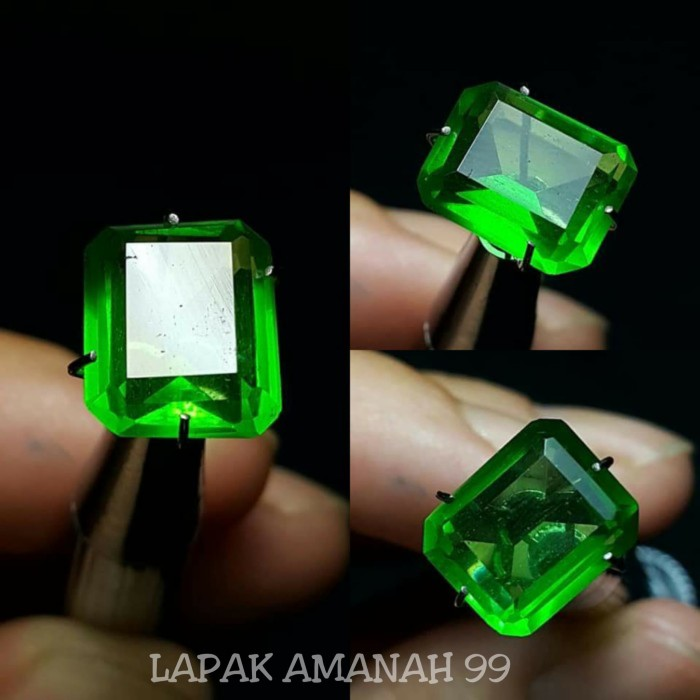 Foto Produk Batu Zamrud Kalimantan Octagon ,Emerald Top Green , I Like Colombia dari LAPAKAMANAH99